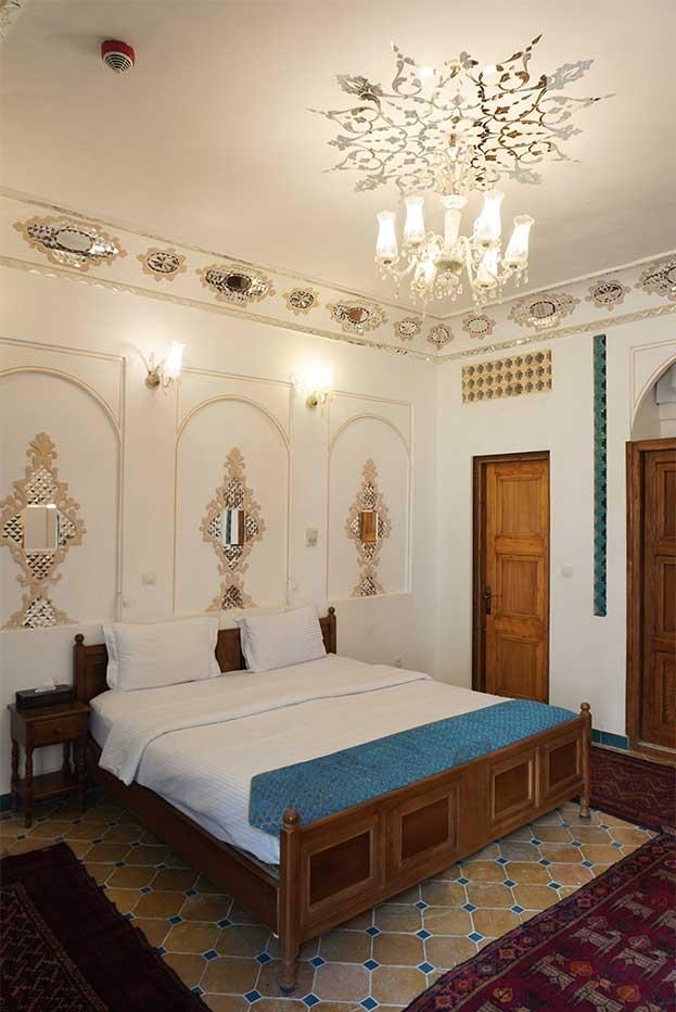 اتاق-افشاریه-هتل-قصرمنشی