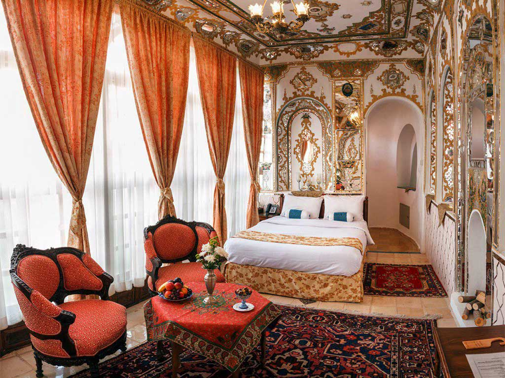 اتاق-آینه-هتل-قصرمنشی